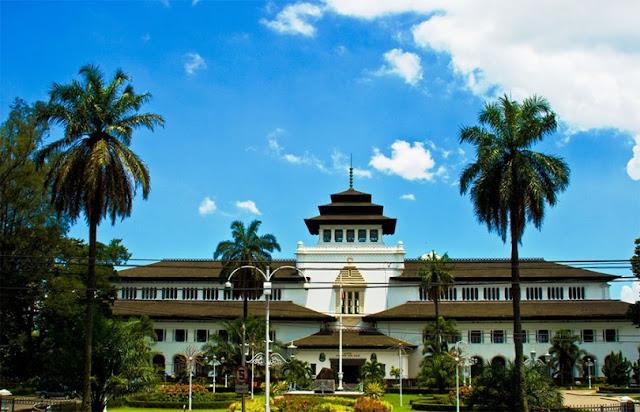 Inilah 20 Tempat Wisata di Bandung Paling Terkenal Untuk Dikunjungi