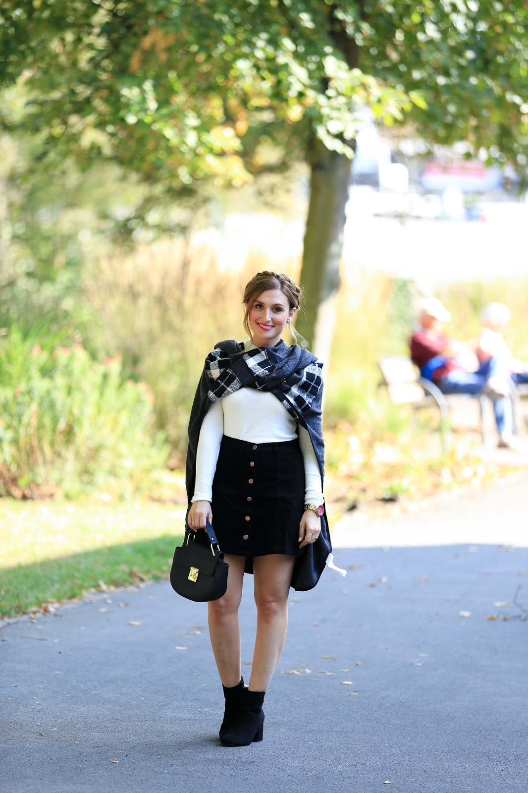 Minkpink.de-MTZ-Blogger-Frankfurt-Umstyling-Shopping-fashionstylebyjohanna-Blog-Outfit-Fashionblogger-Fashionblogger FrankfurtStreetstylLederjacke Blogger