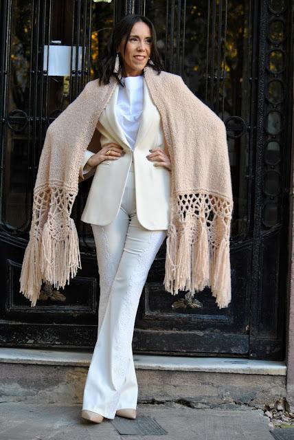 como vestir elegante, como llevar un traje blanco, moda, fashion, look, asesora de imagen, tendencias, outfit blanco, total look white,consejos para vestir blanco
