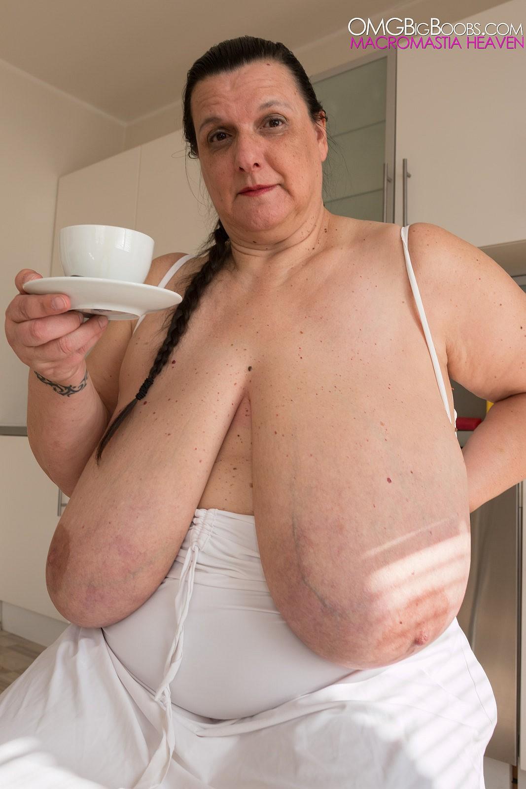 Huge Pregnant Tit Nadine Jansen-8972