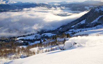 Wallpaper: Skiing in Voss Resort