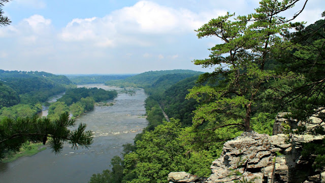 The Maryland Heights Trail, an 4 mile round trip hike just off from the Appalachian Trail, is a challenging hike that ends in rewarding views of Harpers Ferry and the Potomac & Shenandoah Rivers below.