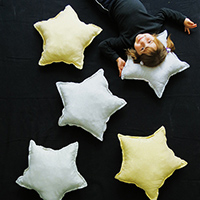 http://www.ohohdeco.com/2014/11/make-star-cushion.html