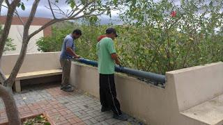 Prefeitura Universitária do CES/UFCG executa pintura dos corrimãos do campus de Cuité