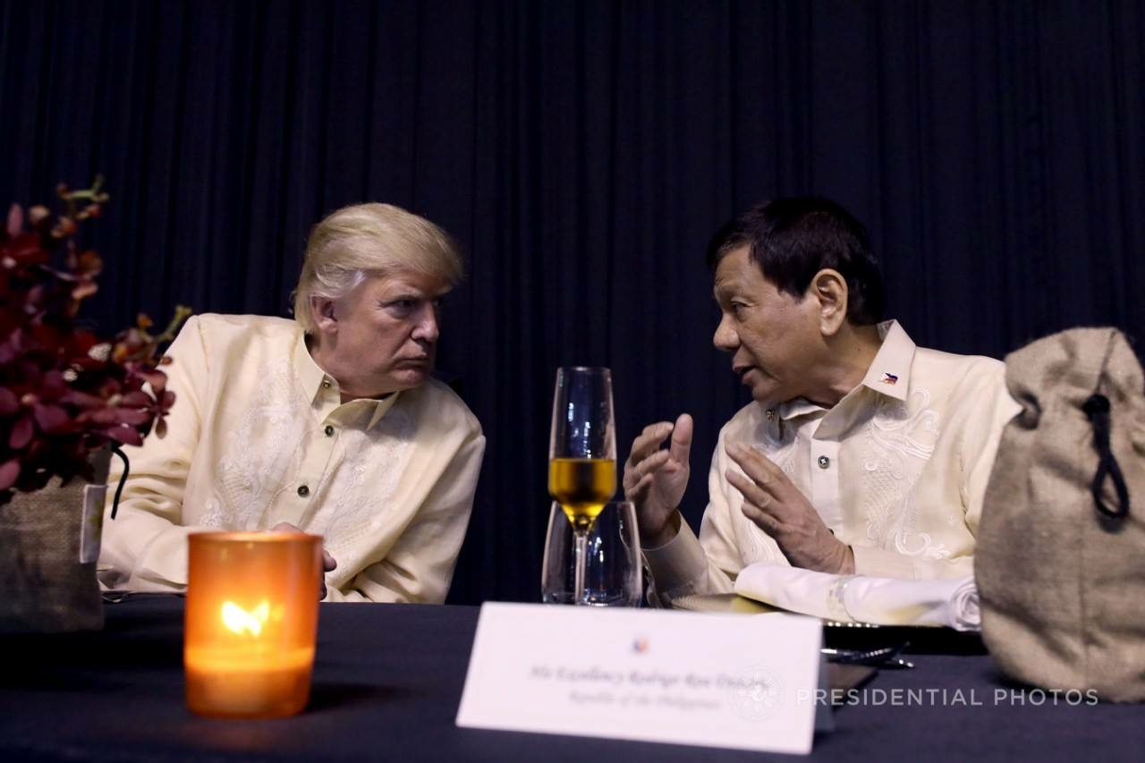 "Trump boasts of a ""good relationship"" with Duterte"