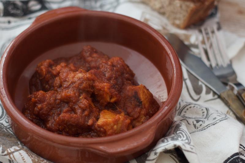 Carne de lomo con tomates cherrys fritos