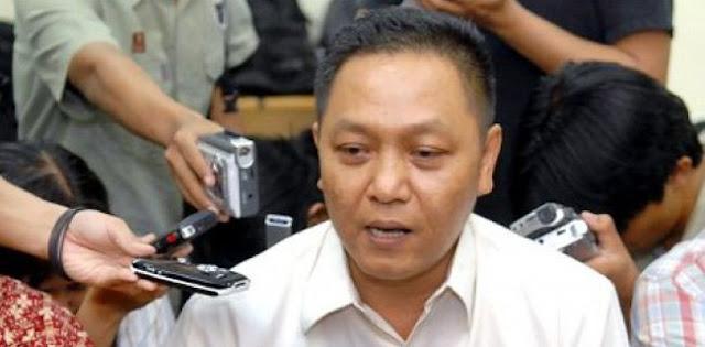 Adhie Massardi: Pemimpin Indonesia Kelas Lokal Pasti Ditelan Naga