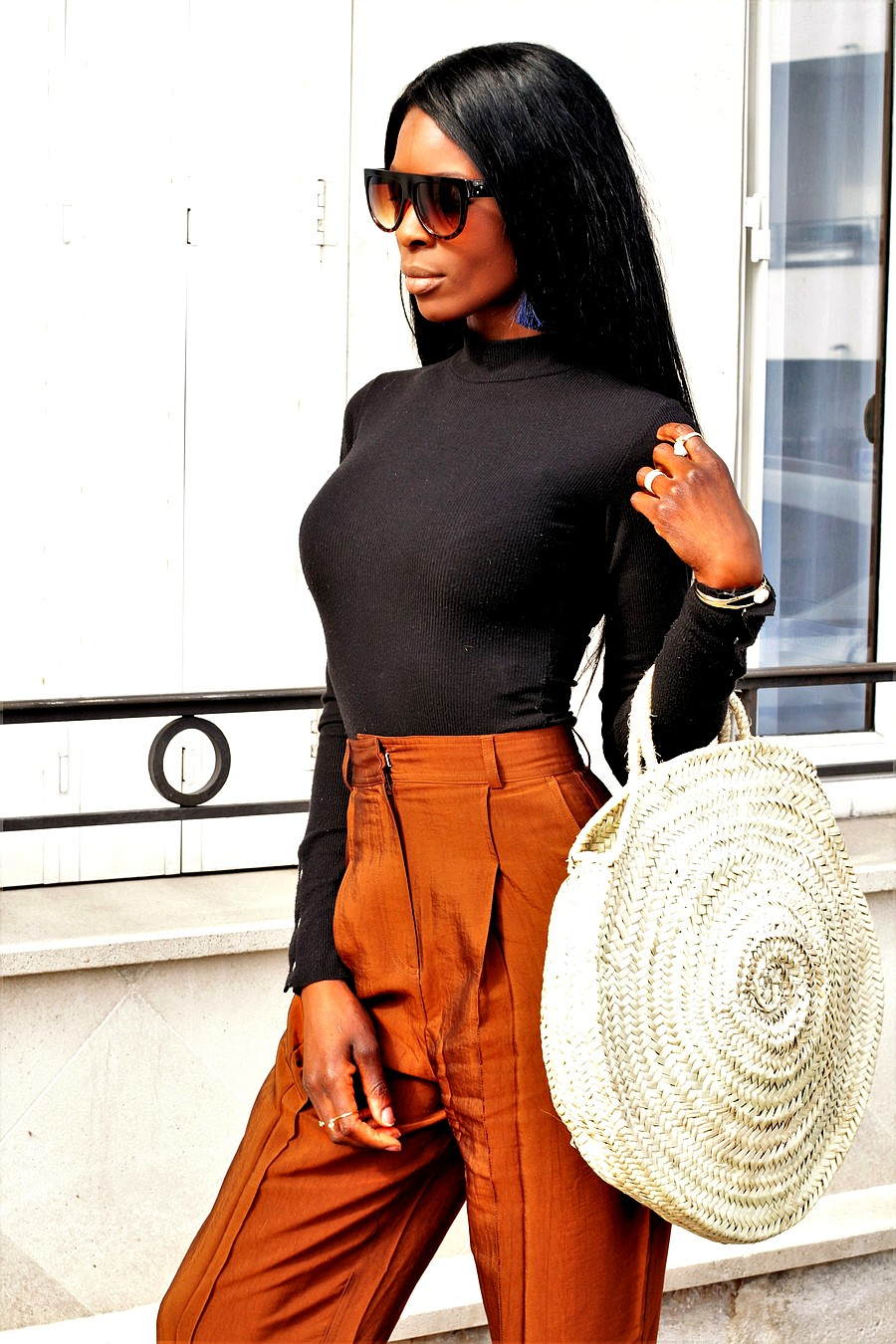 lunettes-celine-kim-kardashian-tendance-panier-rond-paille-pantalon-taille-haute