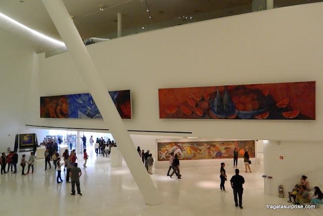 Obras de muralistas mexicanos no Museu Soumaya, Cidade do México