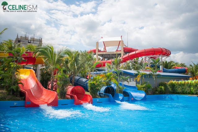 water parks in the philippines