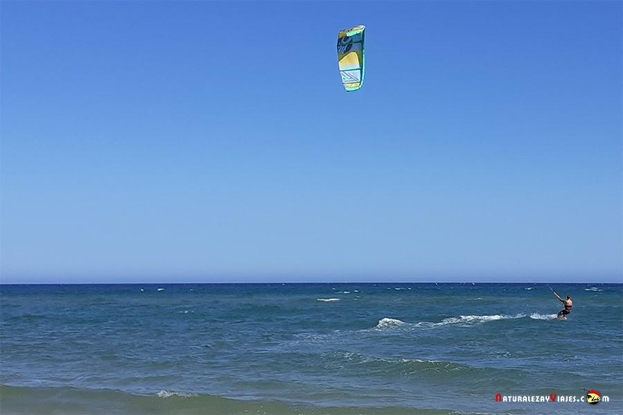 Kitesurf en la Playa Manta Rota, Algarve