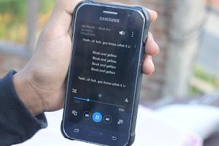 Cara Membuat dan Menambahkan serta Menampilkan Lirik Lagu di Samsung Musik dengan mudah dan cepat