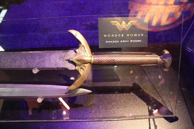 Espada utilizada por las amazonas de Wonder Woman
