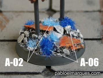 Peana con césped azul. ref: A-02 y A-06