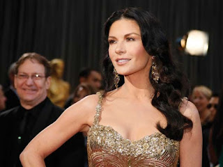 Oscar Jewelry: Catherine Zeta Jones, Lorraine Schwartz earrings