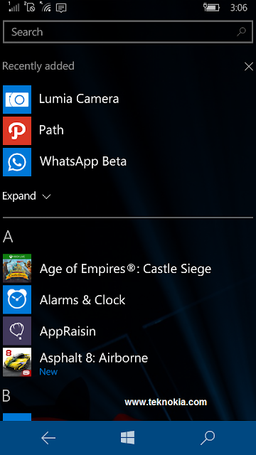 Whether this is a bug or not, we can download the application in the windows store in beta. It is like application whatsapp, BBM, office Lens and also the Path.