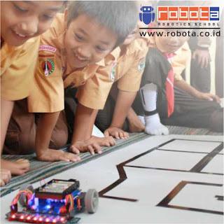 Sekolah Robot ROBOTA