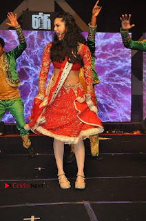 Bollywood Actress Model Sunny Leone Dance Performance in Red Half Saree at Rogue Audio Launch 13 March 2017  0103.jpg