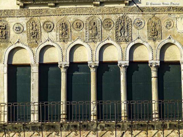 Fachada de la Ca da'Mosto - Cannaregio, Venecia por El Guisante Verde Project