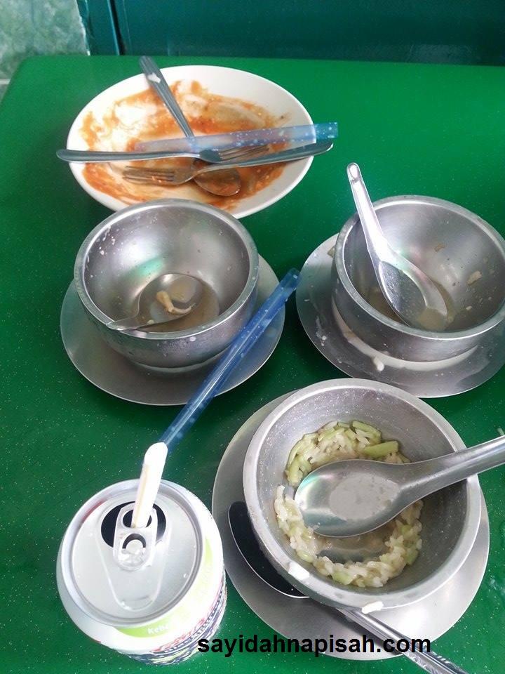 Pekena Rojak & Cendol Pulut di Restoran Haji Shariff Cendol, Seremban