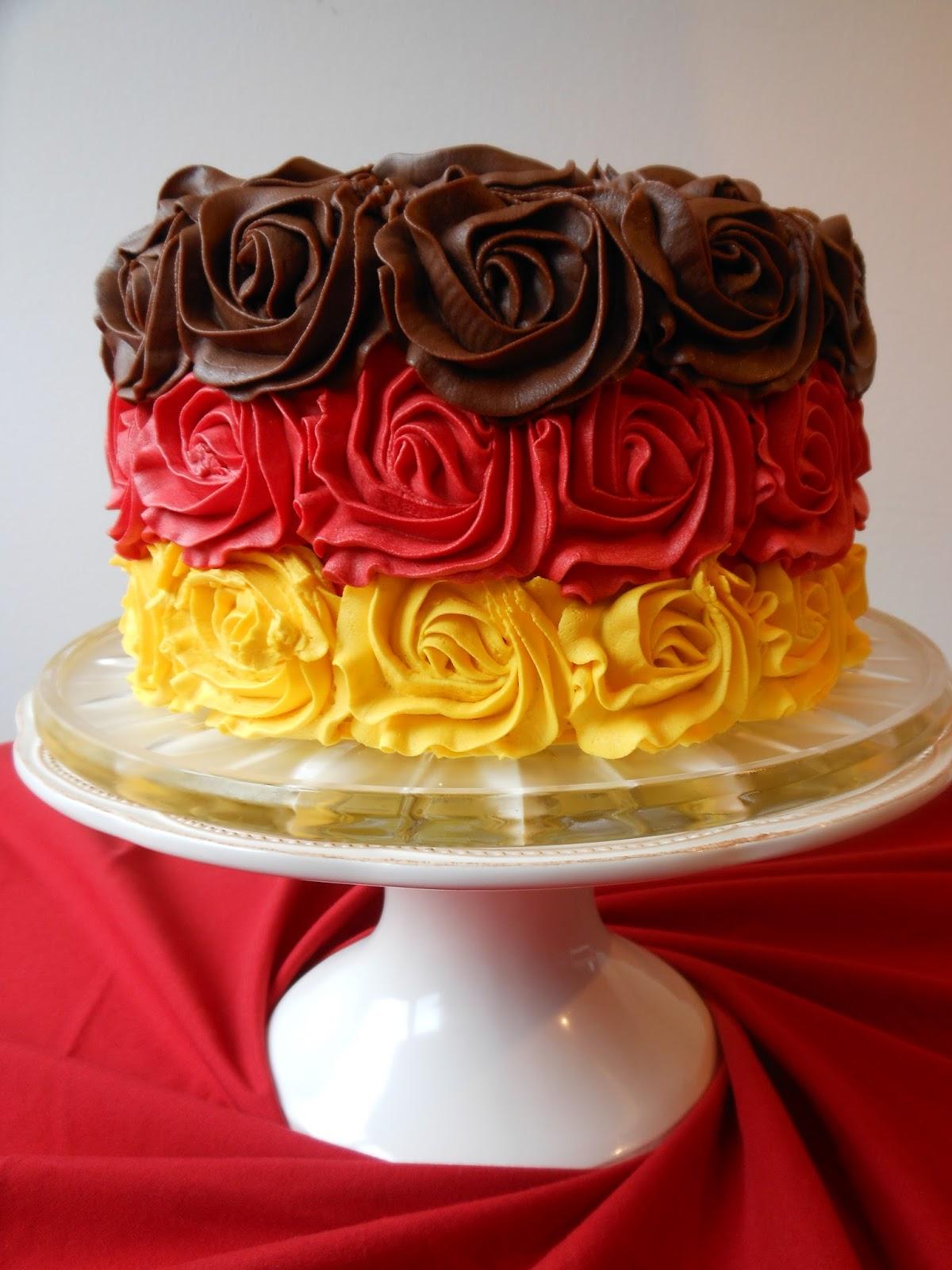 Red Velvet And Vanilla Layer Cake