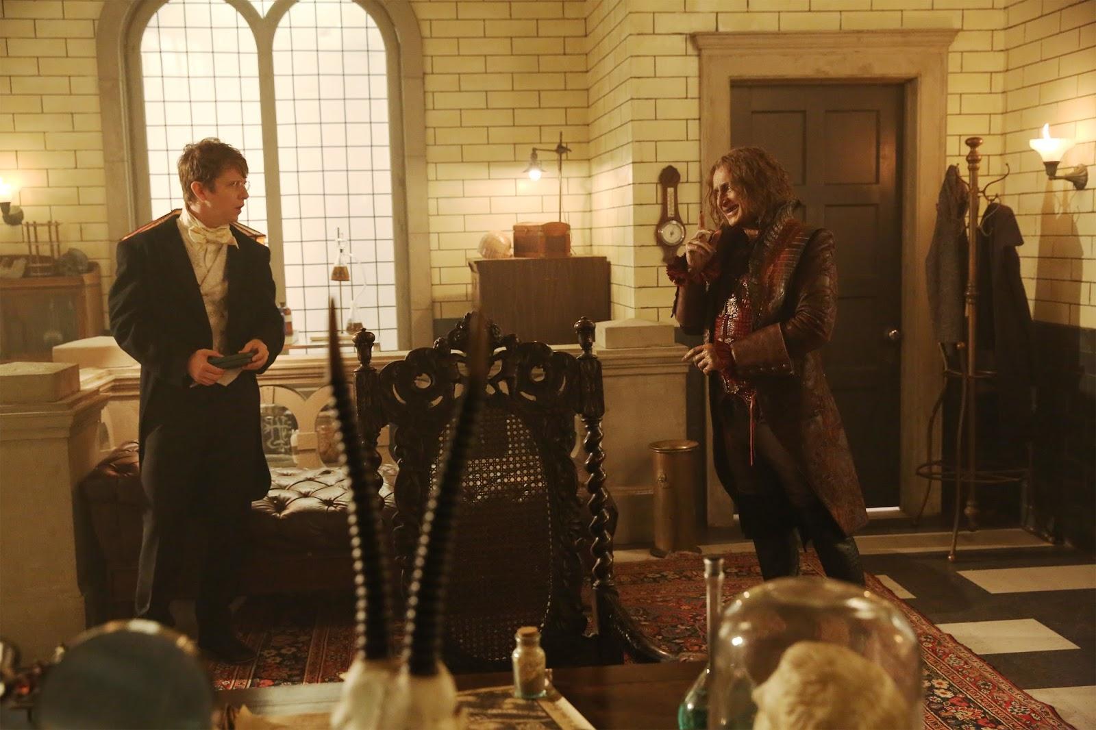 Once Upon a Time 6x04. Rumplestiltskin visita al Doctor Jekyll tras su primera transformación en Hyde
