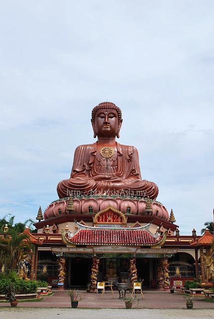 Kelantan Sitting Buddha Statue