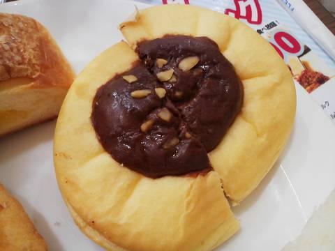 チョコナッツパン シャポーブランメイチカ店