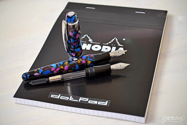 http://www.ipenstore.com/rosetta-coronado-fountain-pen-bundle-mosaic-medium-nib-1-1-mm-nib-rhodia/
