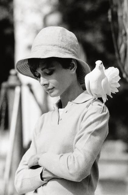 Fotografías de Audrey Hepburn en el rodaje de Dos en la carretera