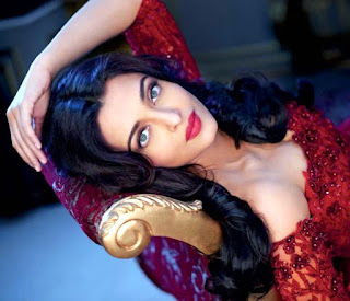 Beautiful Aish Laid On Couch