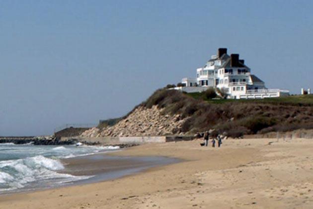Damnit: Taylor Swift buys a Rhode Island Mansion