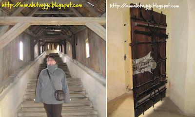 Acceso a la iglesia fortificada de Biertan y cerrojo de su sacristía