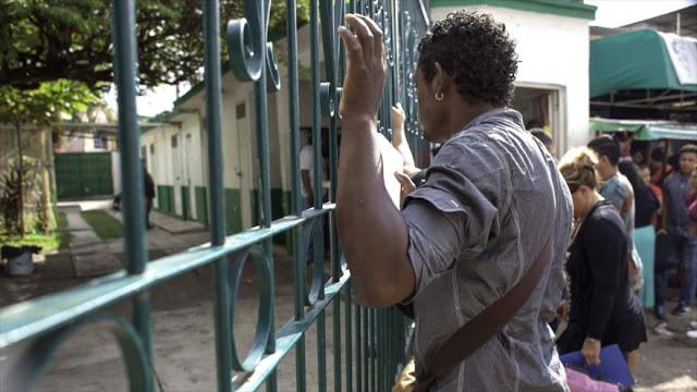 Cubanos varados tras eliminación de ley migratoria por Obama