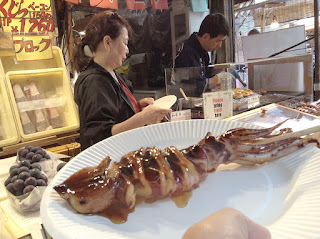 Fresh grilled eel seafoood food trip Tsukiji Fish Market Tokyo Japan