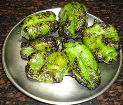 roasted capsicums - preparing capsicum chutney