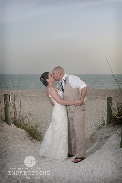 beach wedding ceremony on Sanibel Island