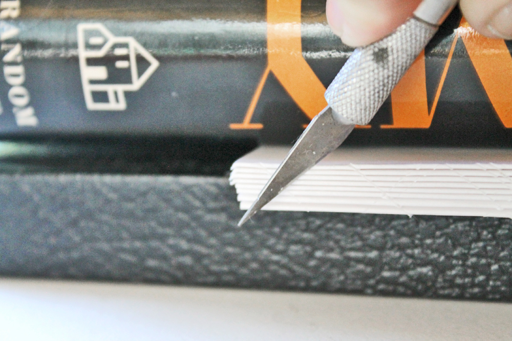 Perfect Binding is a form of book binding where the paper signatures are glued rather than sewn, Learn how to use @tombowusa MONO Multi Liquid Glue to create this journal.