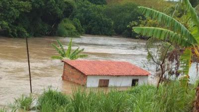 Prefeito de Wellington vieira visitam locais afetados pela chuva e buscam soluções para as famílias atingidas