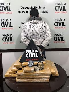 Homem foi preso com 25 Kg de maconha em Santa Rita do Sapucaí (Foto: Polícia Civil)