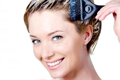 Inilah Cara Alami Menghilangkan Uban yang Mulai Tumbuh Subur di Kepala (Patut Anda Coba)!