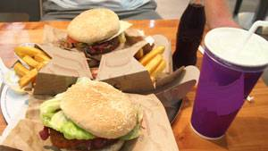 makanan cepat saji, junk food, minuman bersoda