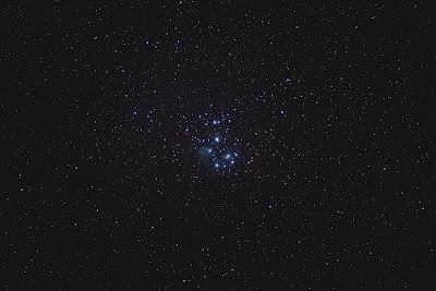 m45 plejady astrofotografia zdjęcie