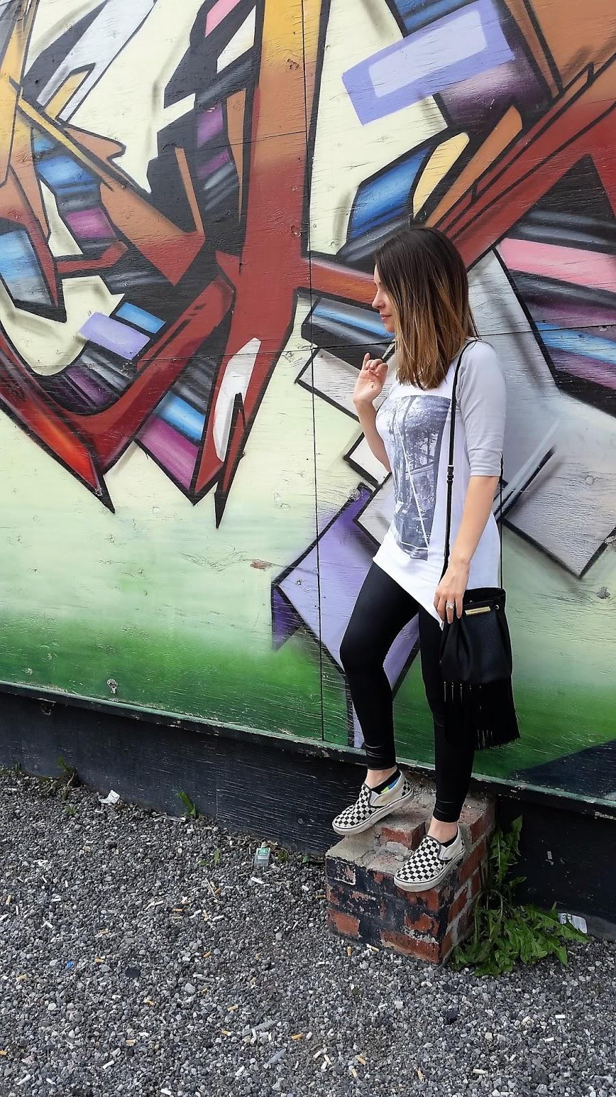 High Low Hem Shirt, Black leggings, cross-body bag, vans slip-ons