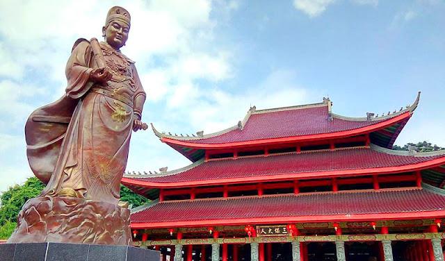 Patung Sam Poo Kong