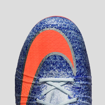 best website e577a 5a7ac Regarding technology, the Nike Mercurial Superfly Boot is identical to the  men s version, with the only real differences being the design and the fact  that ...