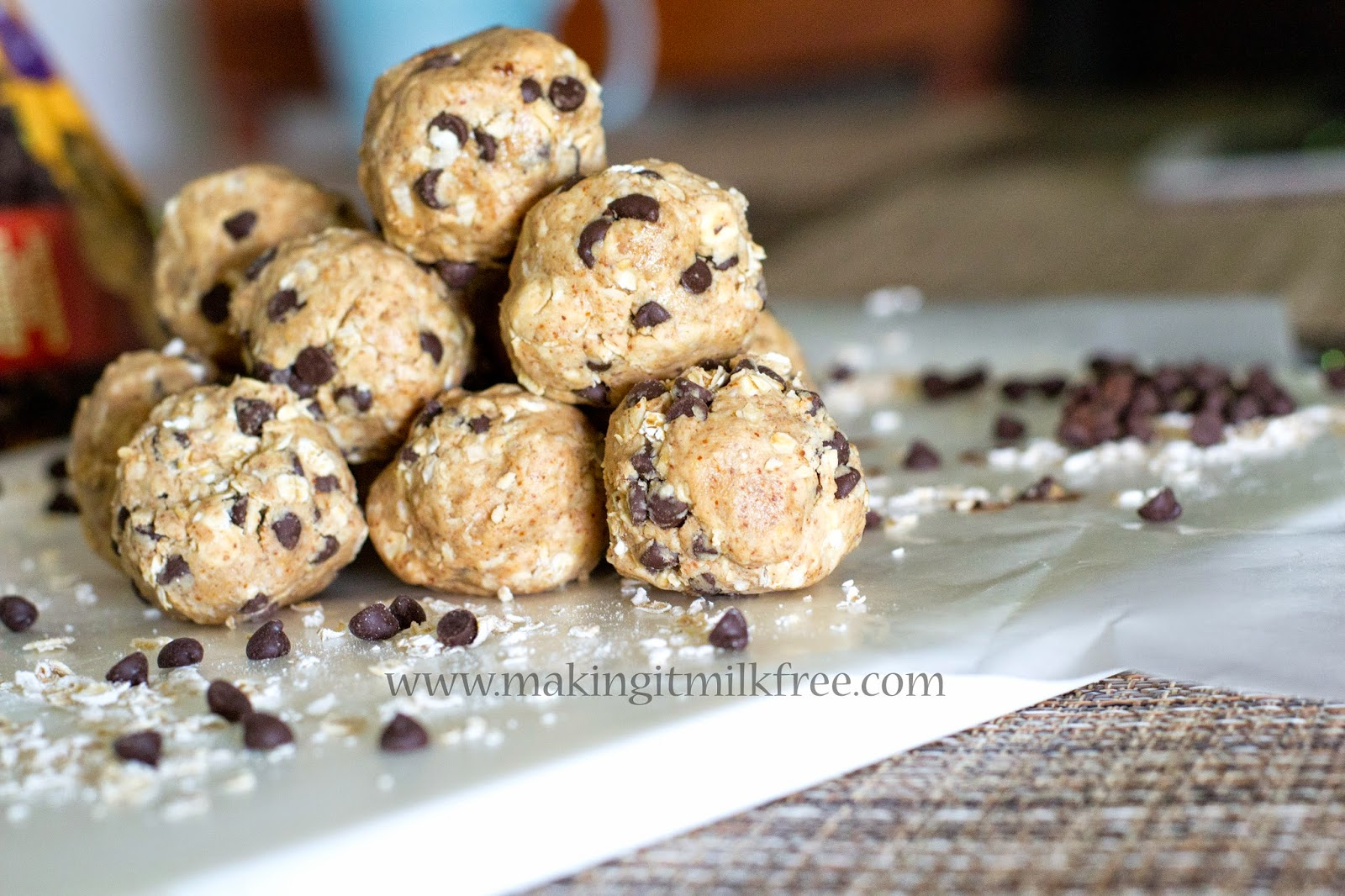 #glutenfree #dairyfree #eggfree #cookiedough #energybites #treats #snacks #funfood