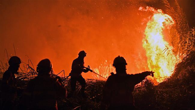 3,000 firefighters battle wildfire in Portugal