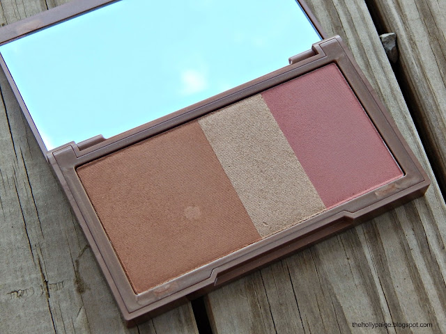 urban decay naked flushed palette in the shade strip: thehollypaige.blogspot.com