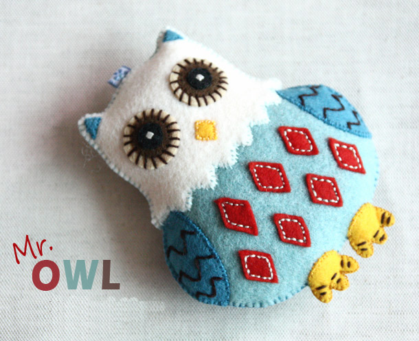 Felt Crafts, owls key chain - DIY tutorial instructions in Pictures.